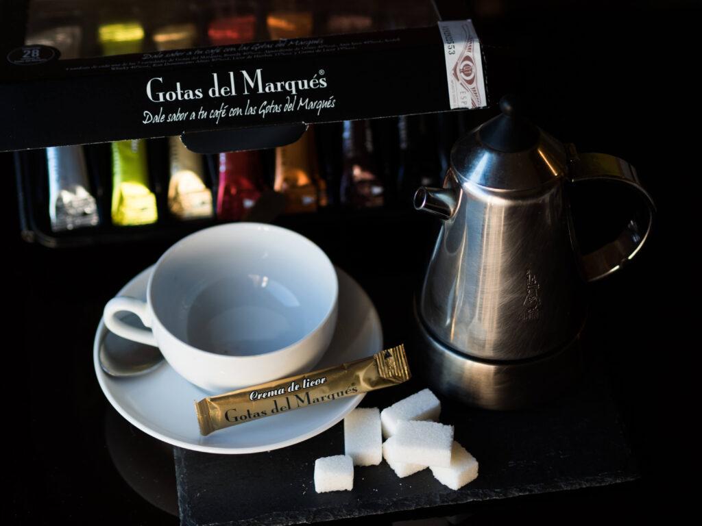 Gotas del Marqués con café